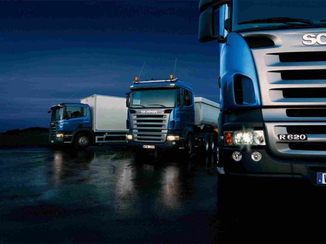 https://marioguttercleaning.com.au/wp-content/uploads/2015/09/Three-trucks-on-blue-background-640x480.jpg