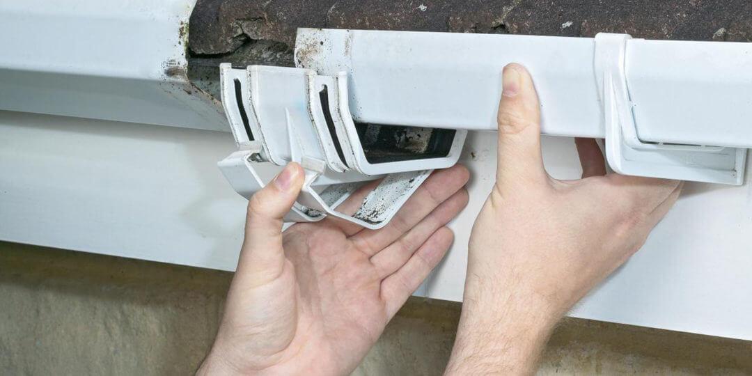 http://marioguttercleaning.com.au/wp-content/uploads/2015/09/gutter-repairs-2-1080x540.jpg